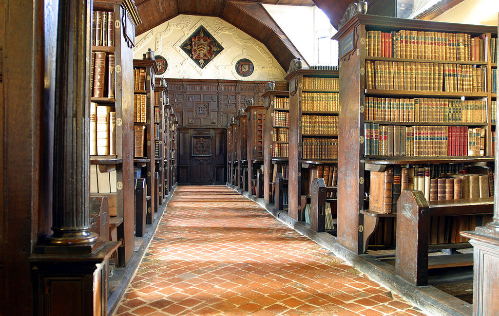 1024px-Merton_College_library_hall