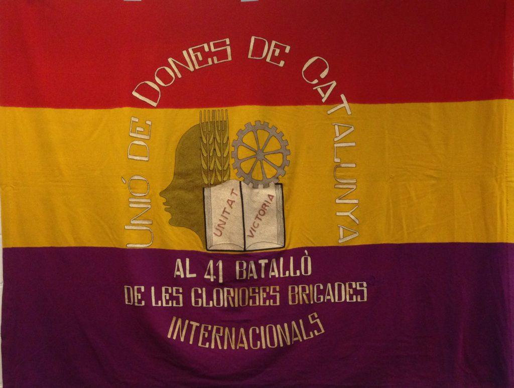 De originele vlag van het Nederlandse bataljon Spanjestrijders, in bewaring bij het IISG