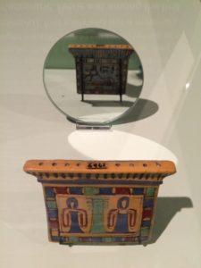 Hanger met de dodengod Anubis, Manchester Museum